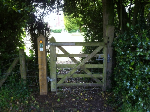 New Gate Post fitted to gate into churchyard on Footpath 5
